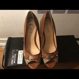 Guess heels shoes. Height 4.33.